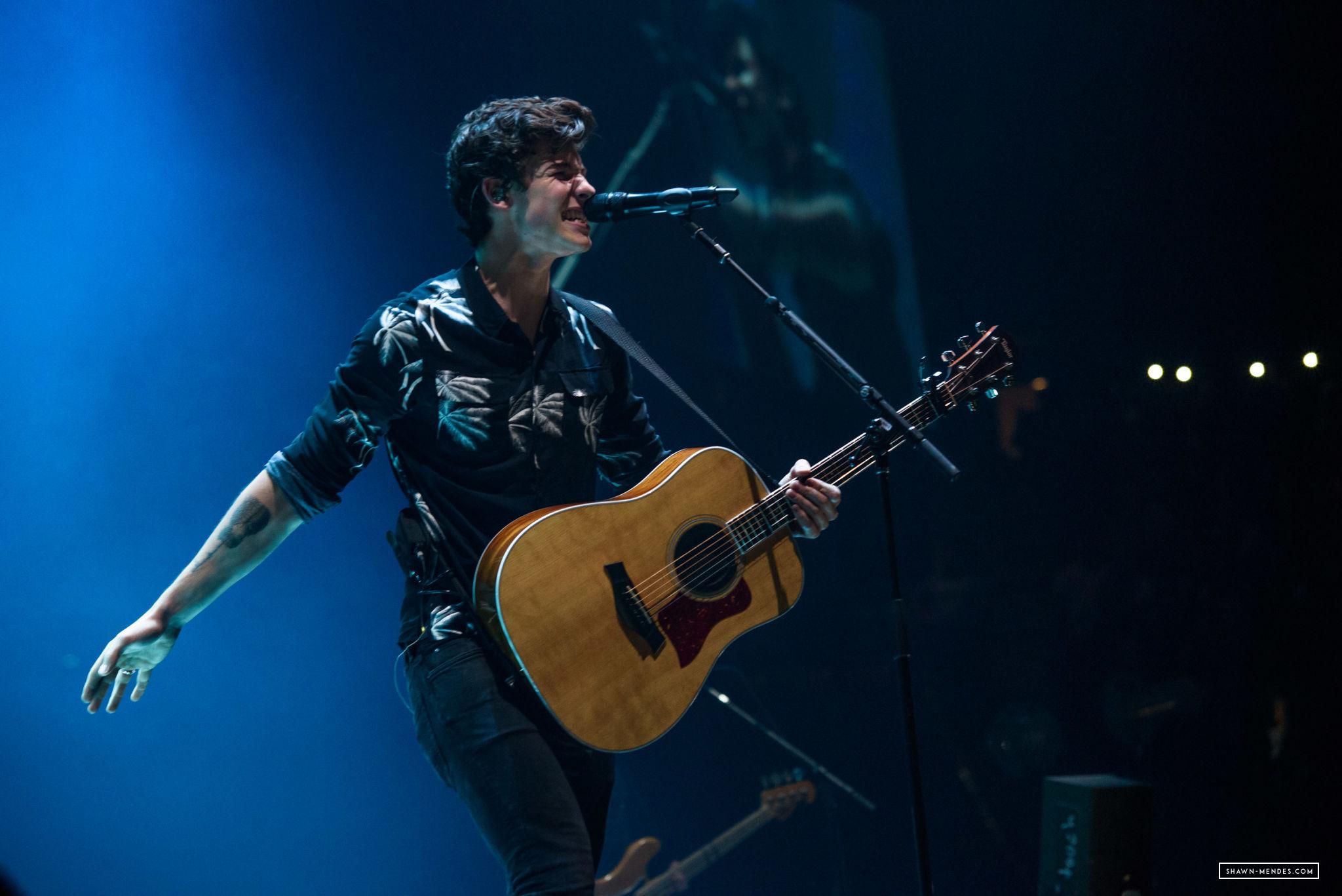 Shawn Mendes fala sobre ansiedade, turnês mundiais e encontrar o amor para Sunday Times UK
